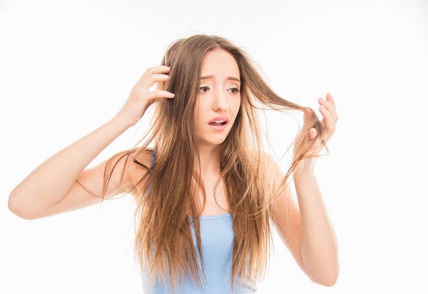 cheveux qui tombe souvent solution et conseil - Quand faut-il s'inquiéter de la chute des cheveux ?